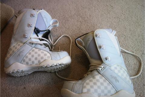 Women's size 8 Lamar snowboard boots Photo