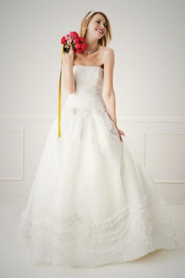 NWOT Ivory Galina Wedding Gown Photo