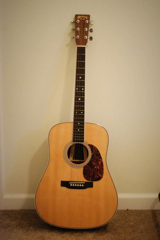 Martin HD-35 Acoustic Guitar (with case) Large Photo