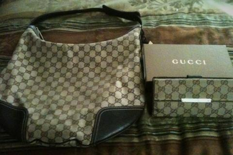 Authentic Gucci Purse and Gucci Wallet (Barely Used) Photo