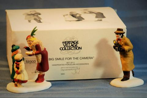 Dept 56 CIC Big Smile For the Camera  56.58900 Photo