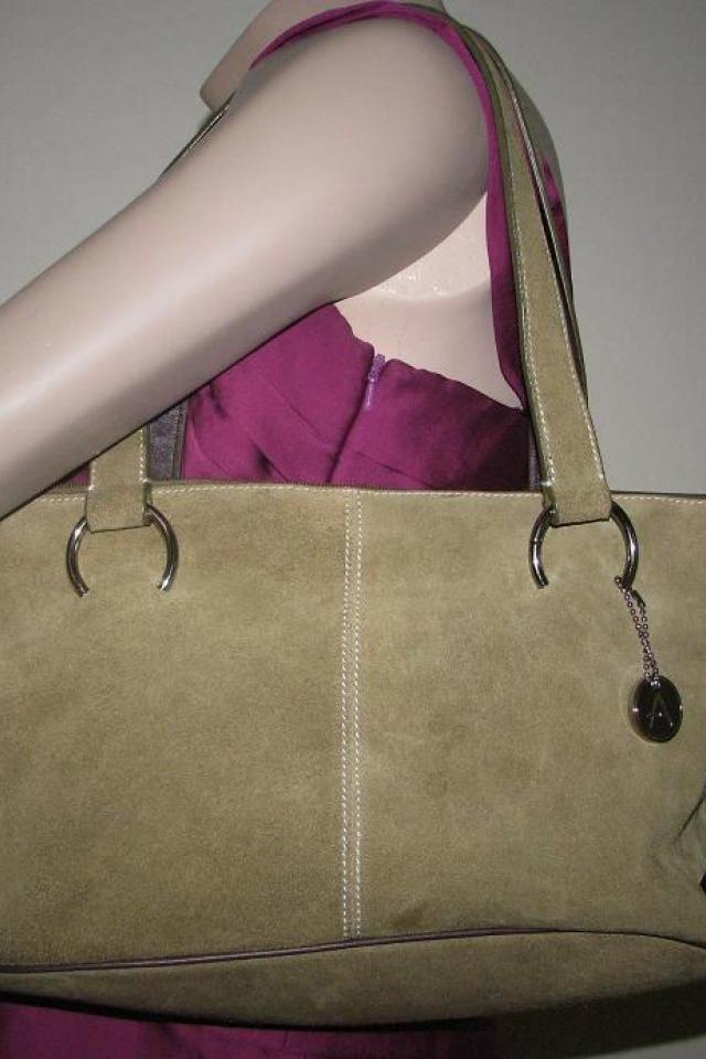 ♥♥♥AEROSOLES♥♥♥ Green LEATHER Medium Shoulder Bag, HOT COLOR!!! Photo