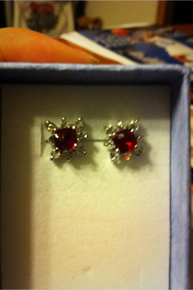 Fire sapphire earrings Photo