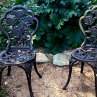 3 Gorgeous Iron Garden Chairs Photo