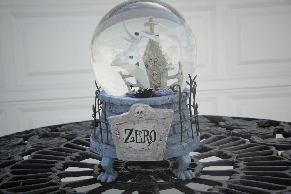 Zero Musical Snow Globe-Disney's Nightmare Before Christmas Collection Large Photo