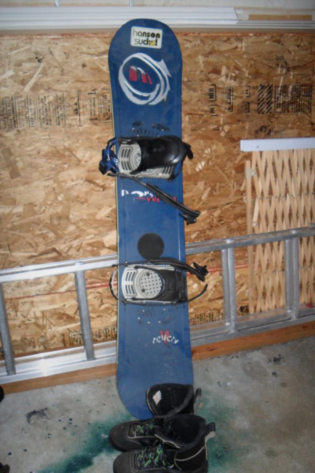Morrow snowboard with size 10 boots and bindings Large Photo