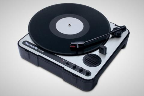 Numark PT-01 USB Turntable Photo