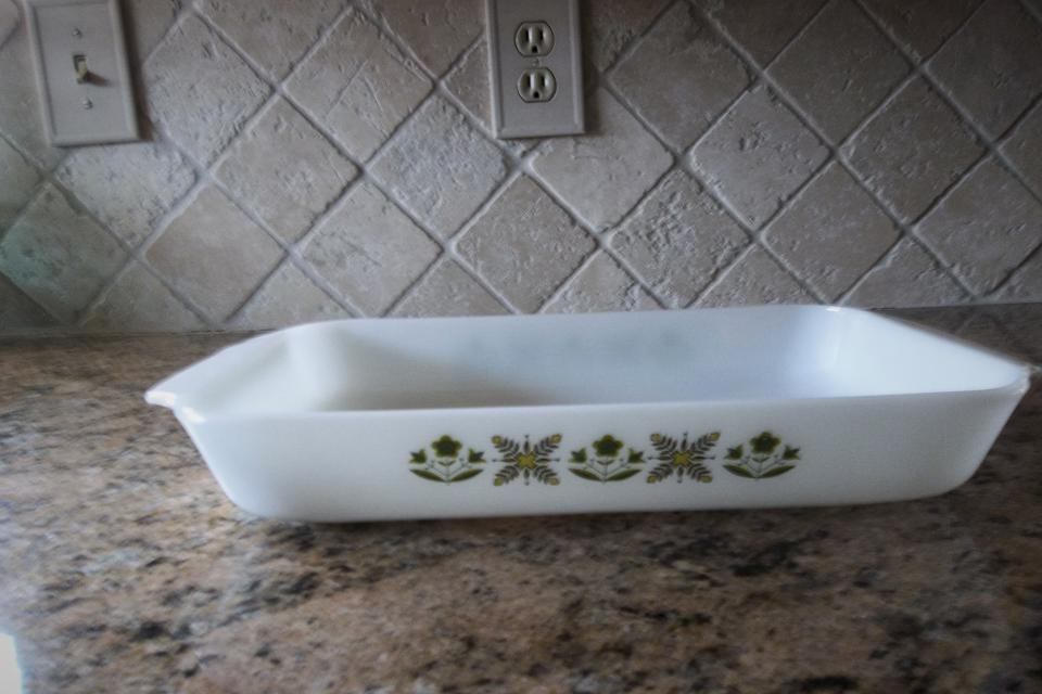 Vintage Anchor Hocking Cassarole Dish - Green Meadow Large Photo