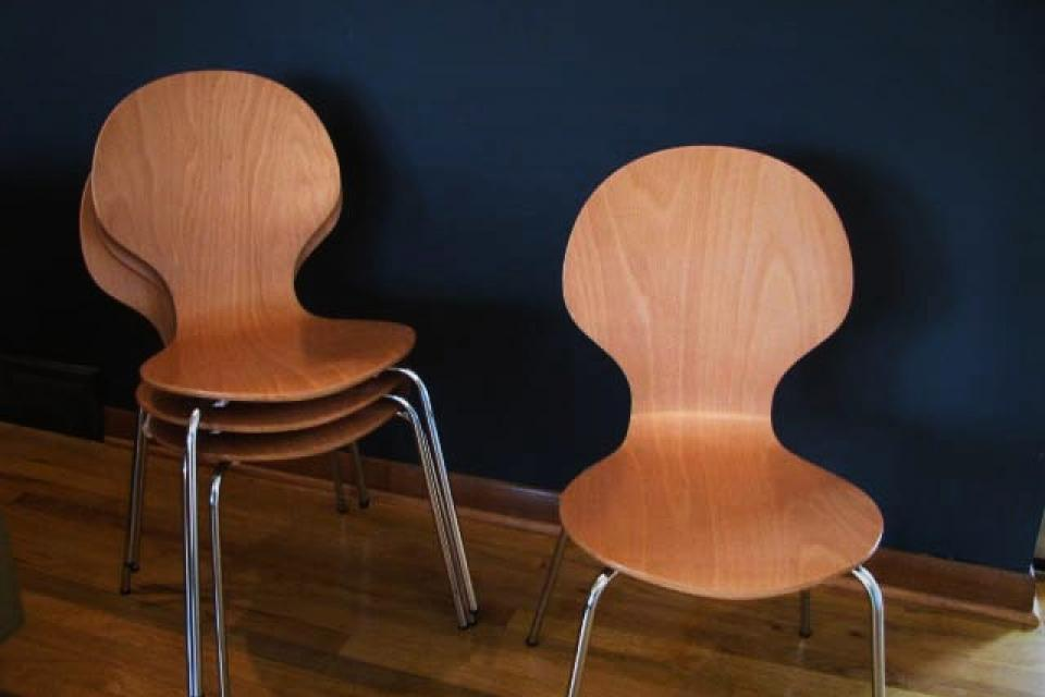 (4) Modern C&B bent ply chairs Large Photo