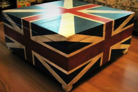 Union Jack Coffee Table/Trunk Photo