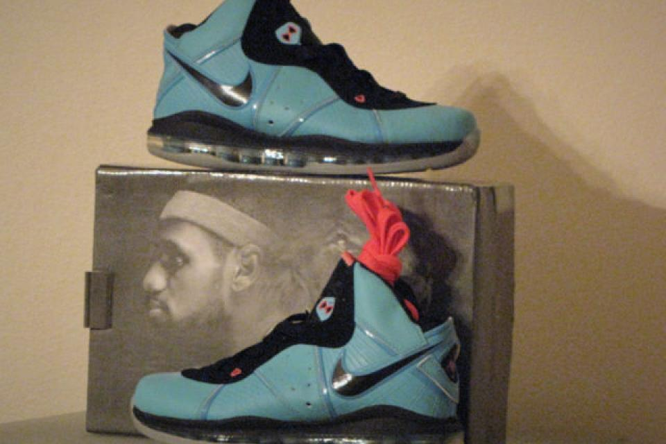 ****Brand New Lebron 8 South Beach Sz. 10**** Large Photo