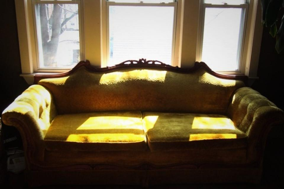 Gorgeous Gold Brushed Velvet & Mahogany Victorian Couch Large Photo