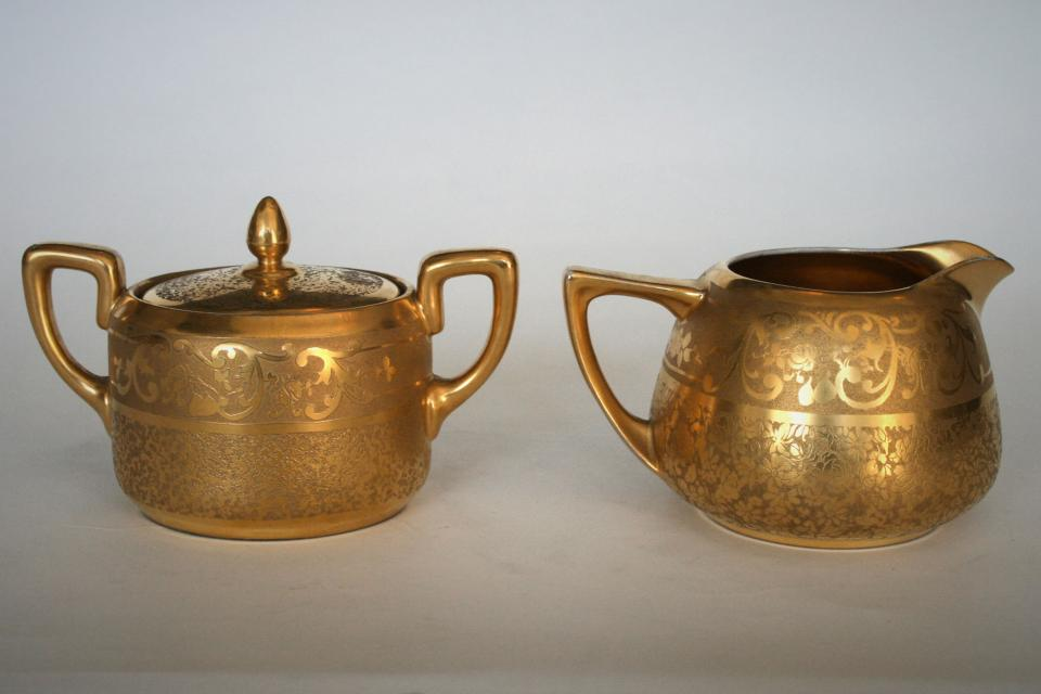 Signed Vintage Gold Leaf Sugar Bowl & Creamer  Large Photo