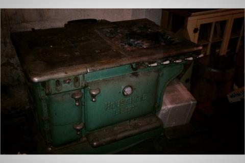 Antique oven. Make offer Photo