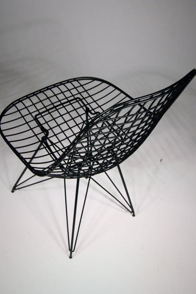 60s Knoll Bertoia Wire Chair with Eiffel Tower Base Photo