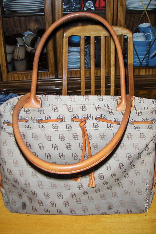 Authentic Dooney & Bourke Leather Shoulder Tote Hand bag Or Best Offer!! Photo