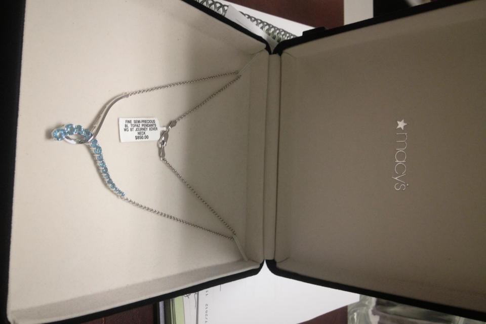 14 kt white gold blue topaz journey pendant necklace Photo