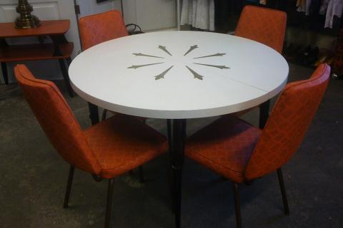 Vintage Retro Formica table w/leaf and 4 Vintage Orange Chairs Photo