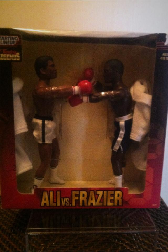 1998 Ali vs Frazier Starting Lineup Photo