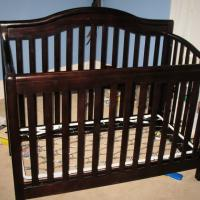 Convertible Baby Crib-DaVinci Photo