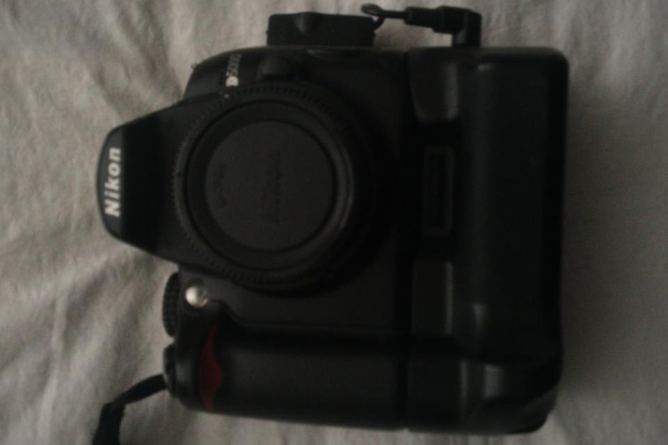 Nikon D5000 +  Large Photo