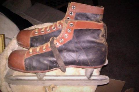 Vintage VIKING PRO AERO Leather Ice Skates 1940's-1950's Size 9 LOOK! Photo