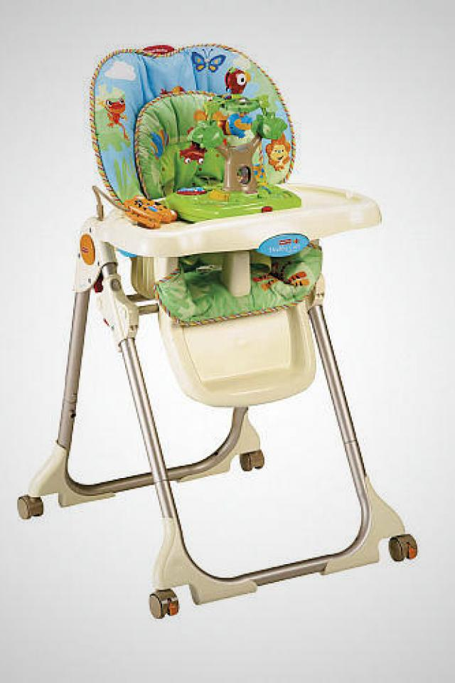 Fisher-Price High Chair with Toy Tray - Rainforest Photo