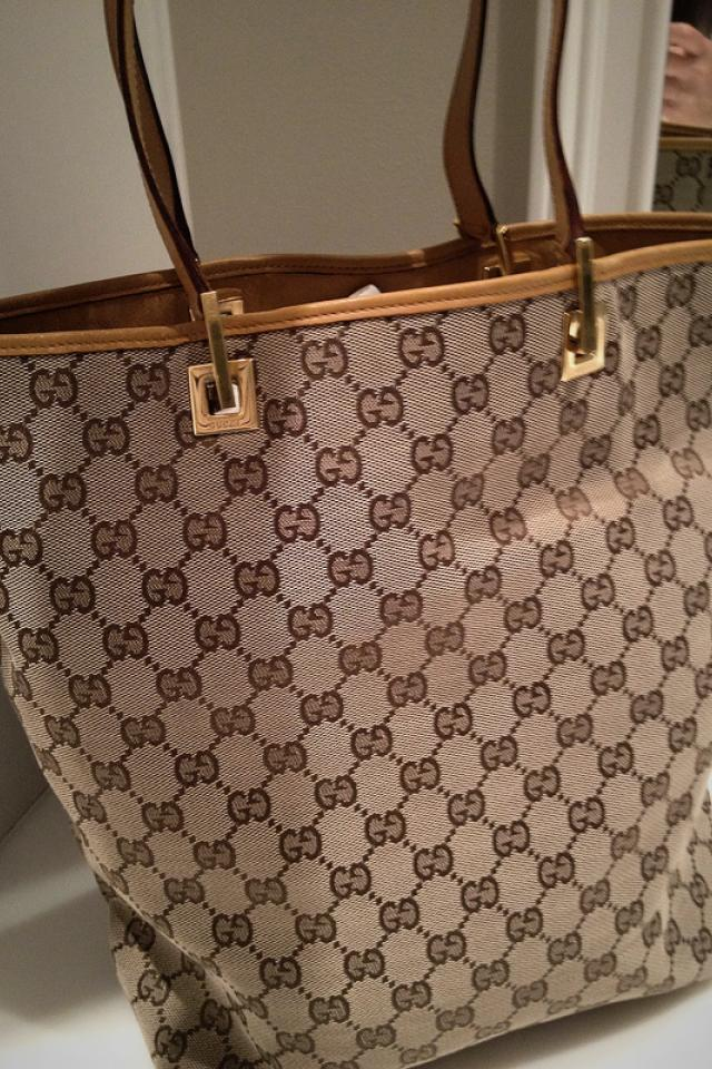 Gucci Tote Photo