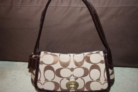 NWT COACH ERGO SIGNATURE FLAP Photo