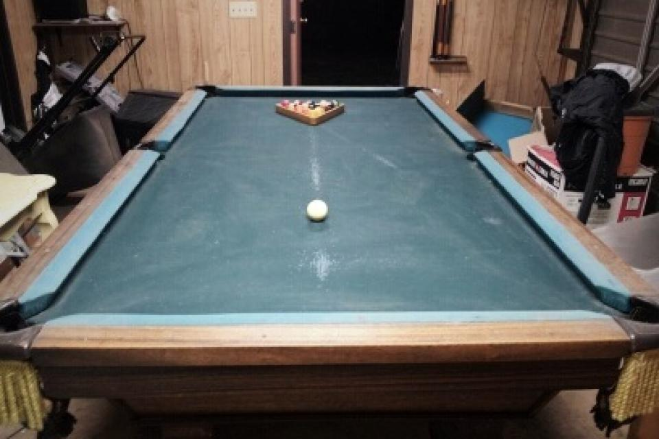 POOL TABLE Large Photo