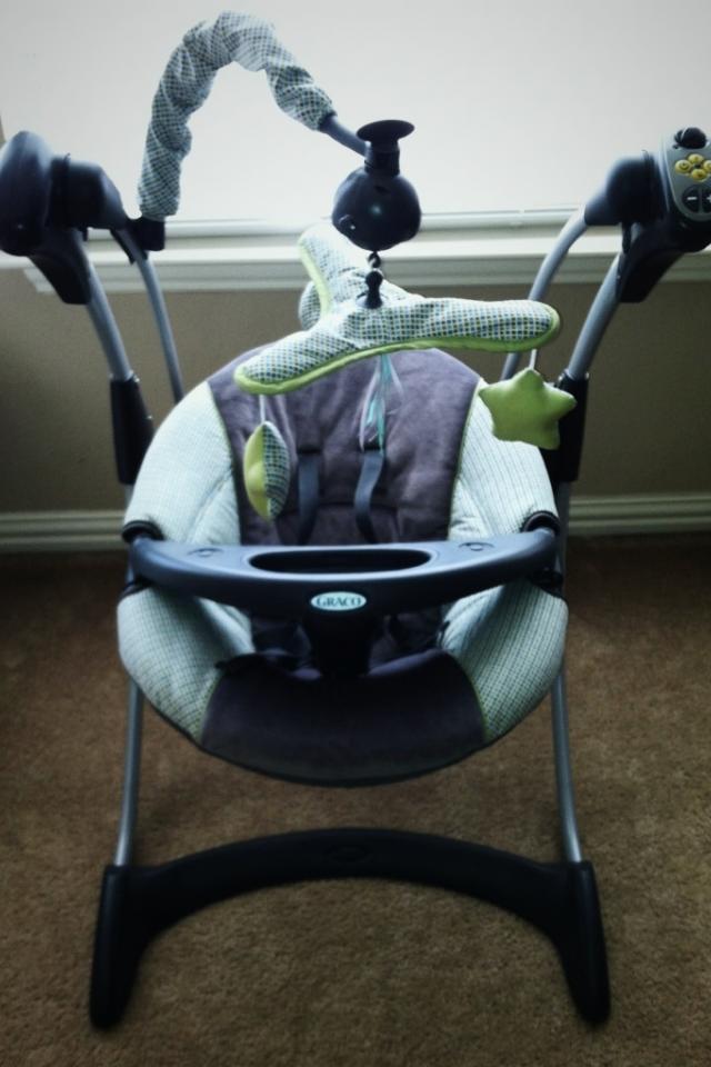 Graco Silhouette swing in perfect condition!!!! Prices are negotiable! Photo