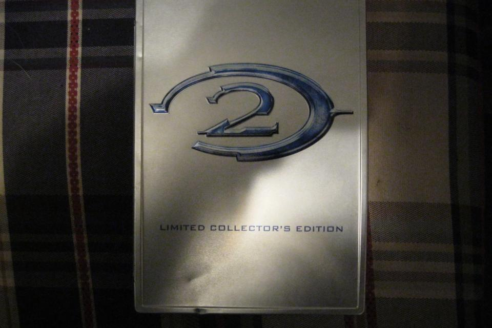 Halo 2 Limited Collectors Edition. Large Photo