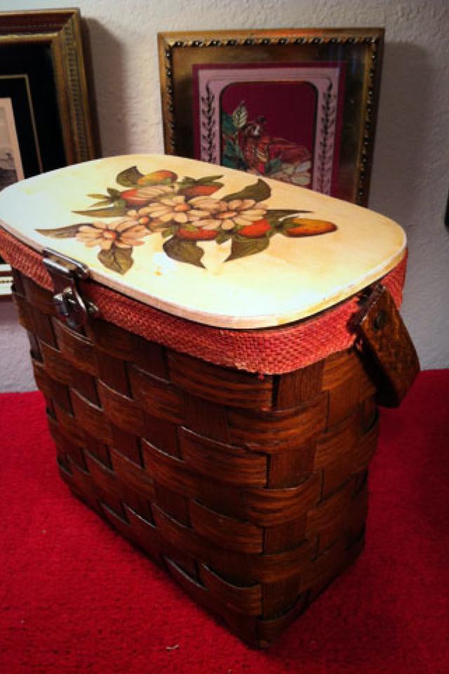 Vintage Basketville Basket Purse, made in Putney, Vermont Photo