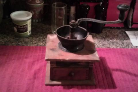 115 YR OLD BEAUTIFUL HANDCRAFTED COFFEE GRINDER! WORKS PERFECTLY!!! VERY RARE Photo