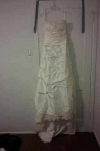 Never Worn Wedding Dress (Tags still on) Photo