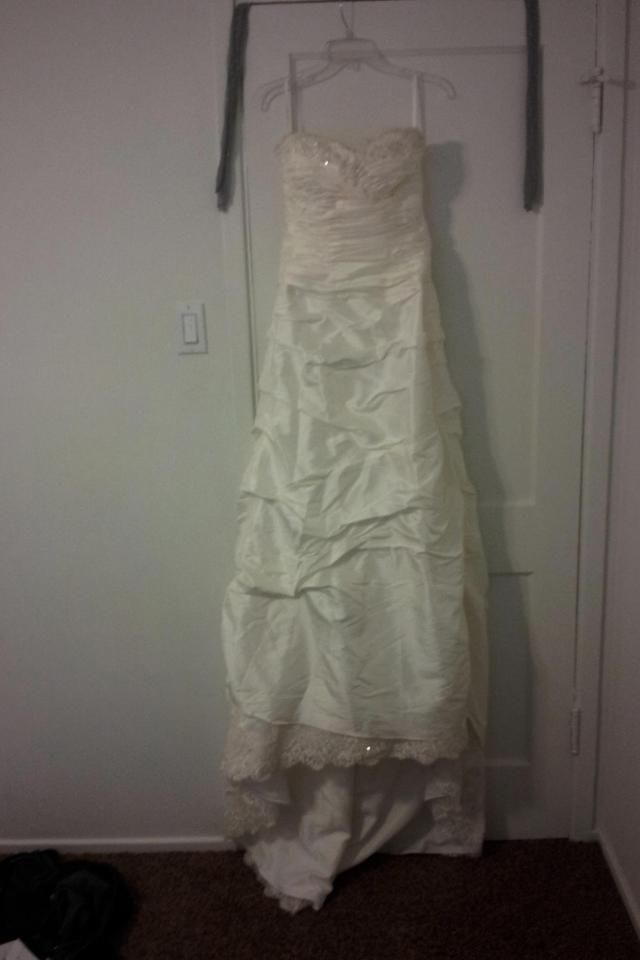 Never Worn Wedding Dress (Tags still on) Large Photo