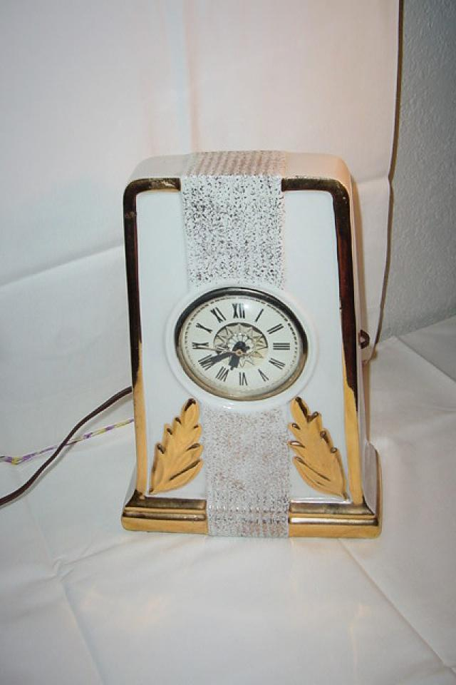 CLOCK LANSHIRE ELECTRIC ART DECO TOMBSTONE STYLE Photo