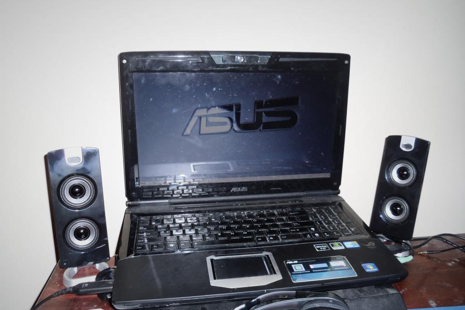 Asus G51J Gaming Laptop Large Photo
