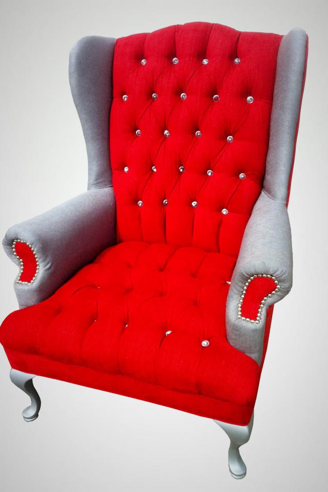 VINTAGE WING CHAIR Photo