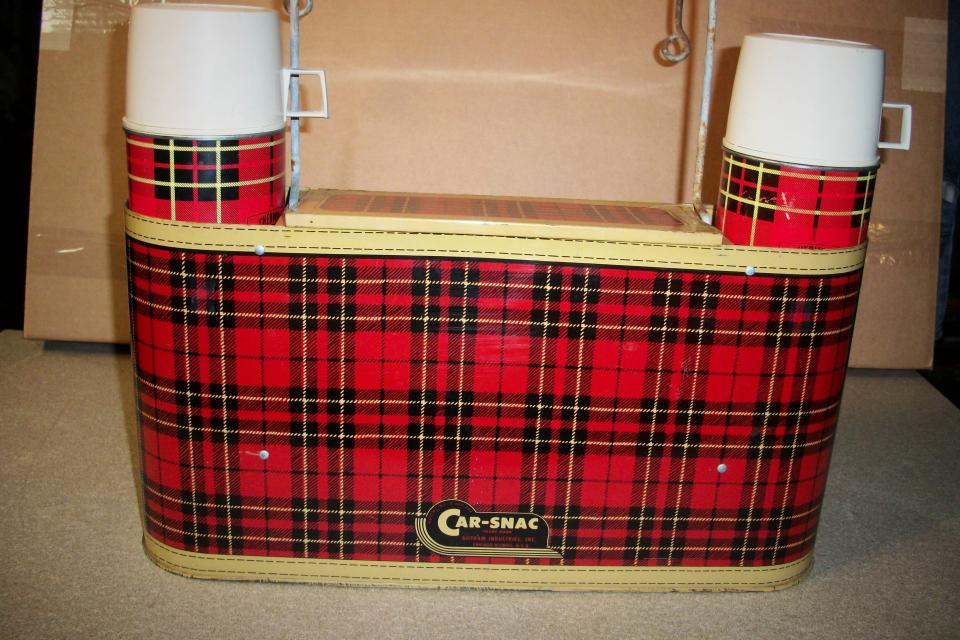 Vintage 60S Plaid Tin CAR-SNAC Hanging Picnic Set For Rat Rod or Classic Car Large Photo