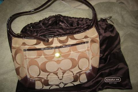Super-cute, perfect size Coach Hobo bag! Photo