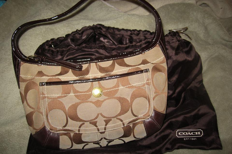 Super-cute, perfect size Coach Hobo bag! Large Photo