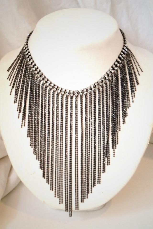 Chain Fringe Bib Necklace Photo