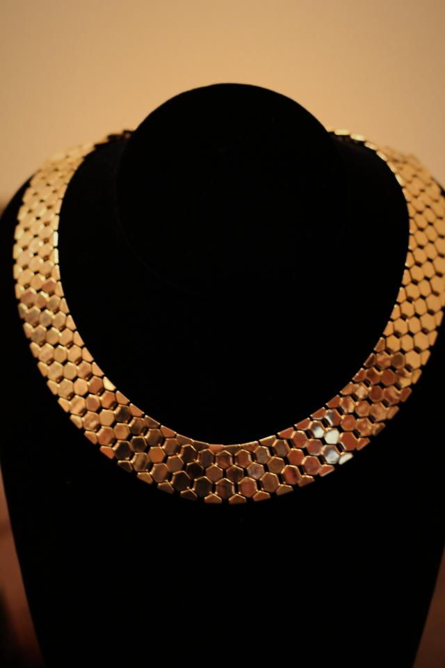 70's Gold Tone Choker Large Photo