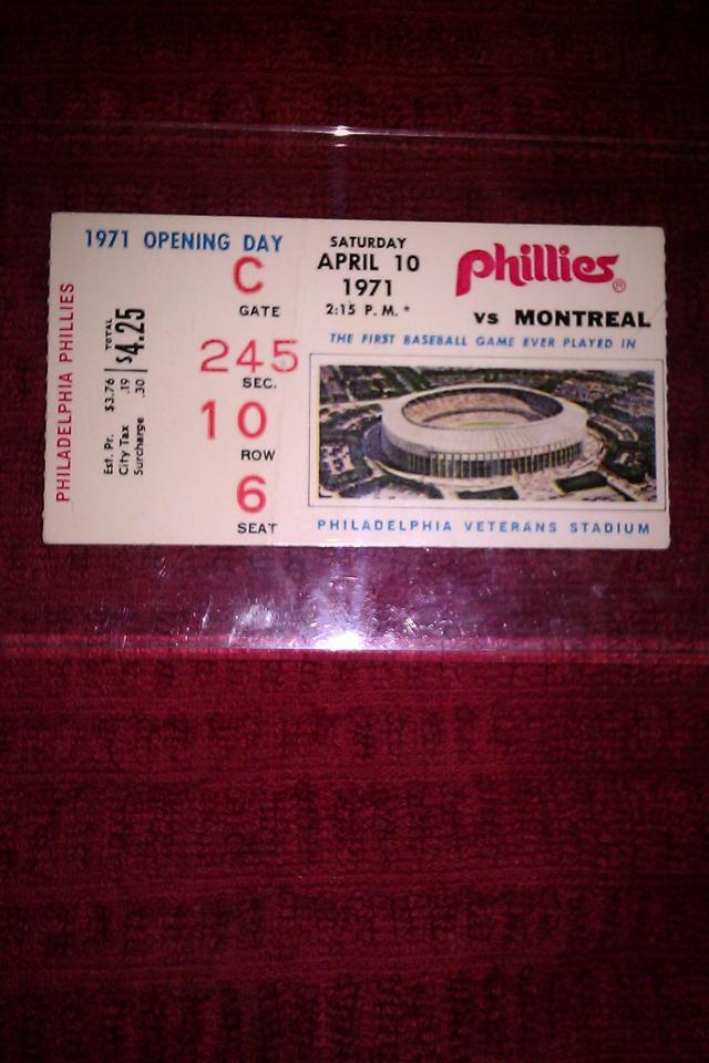 April 10th, 1971-FIRST PHILLIES GAME played at VETERAN'S STADIUM RARE!! LOOK!!! Large Photo