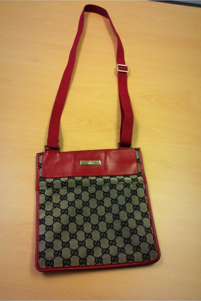 Gucci Messenger Purse Photo