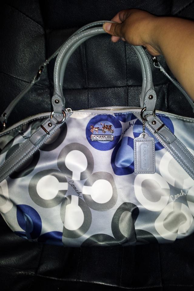 Coach clover purse Photo