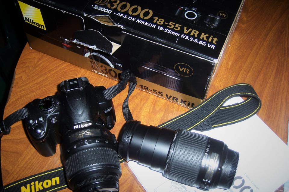 NIKON D3000 DSLR CAMERA WITH 18-55 AND 55-200 LENS ALMOST NEW!!! Large Photo