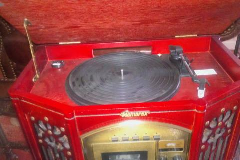 Antique style radio Photo