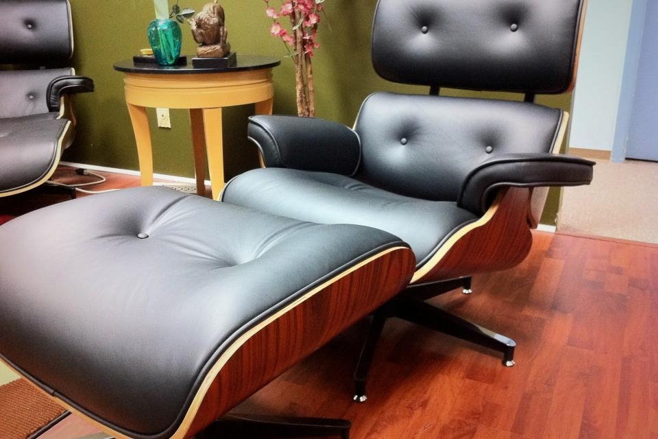 Eames Lounge Chair and Ottoman Large Photo